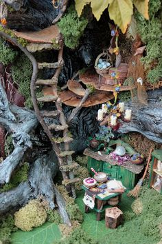 Elf door on tree.use popsicle sticks and old jewelry. Could use on fairy home . - Elf door on tree…use popsicle sticks and old jewelry. Could use on fairy home – DIY Fairy Garden -