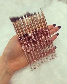 Rose Gold Eye brushes Rose Gold Glitter waterfall ✨🌹✨<br> Back Now! Natural Hair Treatments, Skin Treatments, Mac Makeup, Makeup Brush Set, Makeup Tips, Hair Brush Set, Glowy Makeup, Prom Makeup, Wedding Makeup