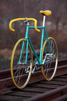 This Is What I Like But Instead Of Yellow Pink Tires Fixie Vintage Bicycles