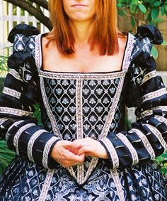 Silk Elizabethan Gown - nice blend of patterns and fabric treatments