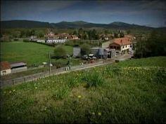MAZCUERRAS, pueblo de Cantabria que también se denomina Luzmela, por la obra de Concha Espina.