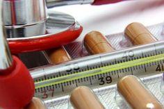 8 prírodných liekov na pomoc pri zápale pľúc Nail Polish, Nail Polishes, Polish, Manicure, Nail Polish Colors