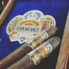 A delight for both palate and sight, truly a jewel worth to be tasted, this Thanksgiving treat yourself with a Diamond Crown Cigars Maximus! Montecristo Cigars, Cohiba Cigars, Ashton Cigars, Premium Cigars, Diamond Crown, Pipes And Cigars, Thanksgiving Treats, Liquor, Jewel