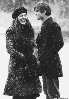 Hayat ön provası yapılmamış bir tiyatro gösterisidir.Bu alkışı olmayan tiyatronun perdesi kapanmadan ; gülün , şarkı söyleyin dans edin , aşık olun .Hayatınızın her anını değerlendirin...  - Charlie Chaplin