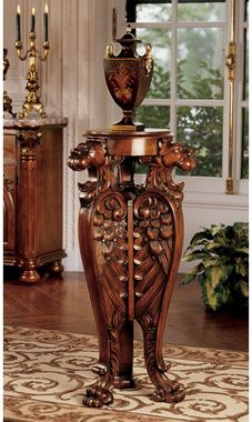 """Evenswood Manor"" carved winged lion pedestal from Design Toscano."
