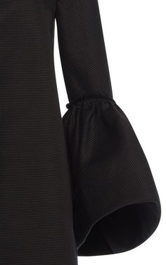 large_martin-grant-black-ruffle-cuff-coat.jpg (750×1200)