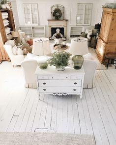 Home Living Room, Living Room Designs, Living Room Furniture, Living Room Decor, Rustic Furniture, Furniture Ideas, Furniture Buyers, Furniture Vintage, Furniture Design