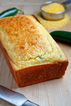 (Jalapeno) corn bread: holy moly, these are good! i made muffins instead of bread (i got i didn't have bacon grease, so i used (canola) oil. i added about a cup of grated cheddar cheese. and i split the batter in half & only put jalapenos in one ha I Love Food, Good Food, Yummy Food, Polenta, Jalapeno Cornbread, Cornbread Recipes, Jalapeno Bread, Buttermilk Cornbread, Mexican Cornbread
