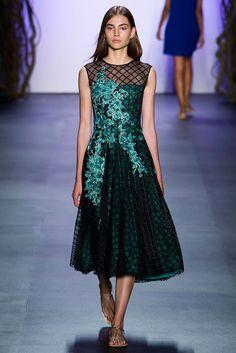 Tadashi Shoji, New York Fashion Week, Frühjahr-/Sommermode 2016 Fashion Week, New York Fashion, Look Fashion, Runway Fashion, Spring Fashion, Fashion Show, Fashion Design, Tadashi Shoji, Beautiful Dresses