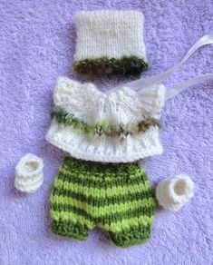 """Hand Knitted Dolls Clothes for 8""""  OOAK  Doll (# 115)"""