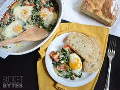 Baked Eggs with Spinach and Tomatoes - Budget Bytes Breakfast Crockpot Recipes, Brunch Recipes, Casserole Recipes, Dinner Recipes, Peanut Butter Breakfast, Breakfast Bake, Sunday Breakfast, Breakfast Dishes, Breakfast Ideas