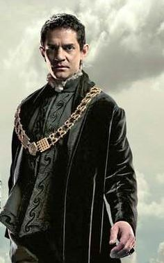 Thomas Cromwell as played by James Frain