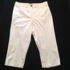 """PRICE DROP Nice Bright White Like New Capris 35"""" waist with a little give. Rise 12"""". Inseam 20 1/2"""". Nice wide waist band. Flawless. Non smoking home. 2 front pockets. 2 back pockets. Counterparts Pants Capris"""