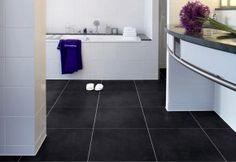 strak hoor! zwarte tegels pvc vloer badkamer