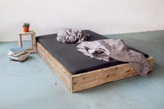 Big upcycling bed // reclaimed wood