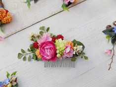 Spring Summer woodland bridal hair comb, floral headpiece, great for boho style, rustic wedding. Ivory, pink, orange, red, green, ranunculus and raspberry, nature inspired hair comb. Silk, artificial flowers. Made to order. Perfect, femine and boho style gift for her, gift for women.