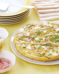Frittata cu ceapa verde, cartofi si feta - www.Foodstory.ro