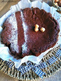 Torta di cioccolato con nocciole