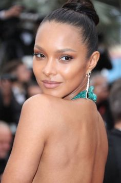Lais Ribeiro attends the screening of 'Solo: A Star Wars Story' during the annual Cannes Film Festival at Palais des Festivals on May 2018 in Cannes, France. Lais Ribeiro, Jessica Chastain, Zuhair Murad, Blake Lively, Celebrity Red Carpet, Celebrity Style, Christian Dior, Victoria Secret Hair, Music Festival Fashion