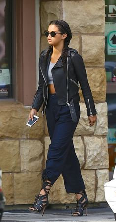 Selena Gomez. Hot street style. Flaunting that badass look in style. And her hair style is so on point with the amazing outfit.