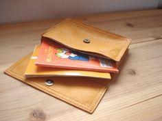 黄色い母子手帳ケース