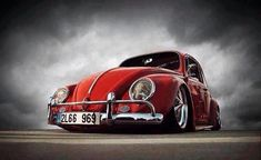 Photo by johntevans. Volkswagen Bus, Vw Camper, Carros Vw, Vw Rat Rod, E90 Bmw, Bug Car, Vw Classic, Vw Cars, Car Drawings