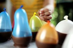 Chocolate cups made via balloons...no kidding! What an awesome (and edible!) project to do with kids.
