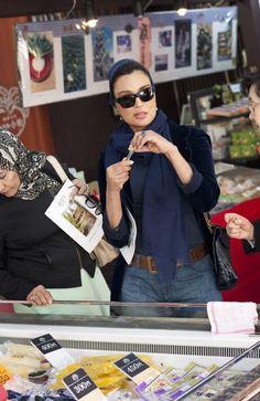 SheikhaMozahFashion : Photo Jeans, scarf