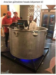 This front desk designed as a cooking pot : interestingasfuck Memes Estúpidos, Funny Memes, Jokes, Funny Shit, Funny Stuff, Hilarious, Cool Stuff, How To Cook Mince, Healthy Soup Recipes