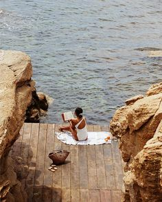Girl Reading Book on Dock by the Ocean – Travel Destinations Summer Vibes, Summer Feeling, Weekend Vibes, Long Weekend, Summer Loving, Summer Dream, Summer Beach, Summer Aesthetic, Travel Aesthetic