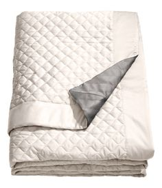 King/Queen Quilted Bedspread | H&M US $99