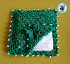 Tissue Box Covers, Tissue Boxes, Filet Crochet, Crochet Top, Crochet Table Runner Pattern, 3d Pattern, Napkin Folding, Crochet Gifts, Crochet Flowers