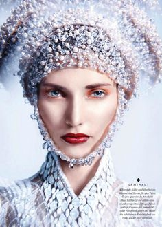 Modern Fairytale fashion fantasy / karen cox. ♔ once upon a time. by Yuan Gui Mei for Elle Germany December 2014 #snow queen