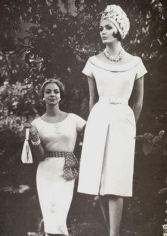 White dresses for Vogue Vogue Vintage, Vintage Glamour, Vintage Beauty, Vintage Ladies, Sixties Fashion, Retro Fashion, Vintage Fashion, Vintage Dresses, Vintage Outfits