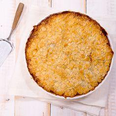 Toscakakku on mainio tarjottava myös gluteenittomana. Valmista leivinpaperilla vuorattuun irtopohjavuokaan tai piirasvuokaan.