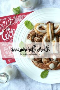 Make a cinnamon roll Christmas wreath treat for a fun breakfast treat or a delicious morning snack idea!