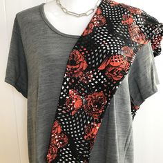 LuLaRoe Outfit of the Day! 2XL Classic T with TC LuLaRoe Leggings #lularoe #lularoeleggings #classict #leggings #lularoeclassict #roses #comfyclothes #comfortableclothing #lularoeleggings