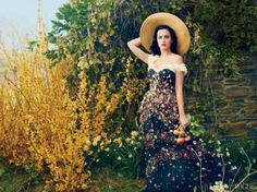 Katy Perry for Vogue July 2013 by Annie Leibovitz. Dress: Dolce and Gabbana and Ralph Lauren