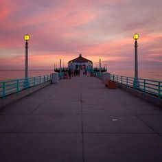 Manhattan Beach Pier - Manhattan Beach, CA Manhattan Beach California, California Love, Beautiful Sunset, Cn Tower, Travel Guides, Summertime, Coast, In This Moment, Places