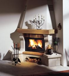 Are you looking for some amazing ideas for your new corner fireplace? Explore the top 20 best corner fireplace designs featuring luxury angled interior ideas and inspiration. Corner Fireplace Mantels, Brick Fireplace Decor, Brick Fireplace Makeover, Home Fireplace, Modern Fireplace, Living Room With Fireplace, Fireplace Design, Fireplace Ideas, Decoration Home