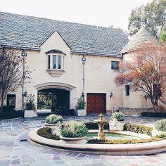 Gilmore Girls Chilton Preparatory Academy Greystone Manor, 905 Loma Vista Drive