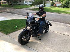 画像に含まれている可能性があるもの:1人以上、バイク、屋外 Harley Davidson Fat Bob, Harley Davidson Bikes, 4 Wheelers, Almost Perfect, Bike Stuff, Scrambler, Big Boys, Old School, Motorcycles