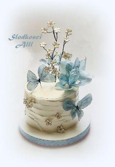 ideas birthday cake fondant flowers wafer paper for 2019 Butterfly Birthday Cakes, Birthday Cake With Flowers, Cute Birthday Cakes, Butterfly Cakes, Flower Birthday, Cake Decorating Designs, Cake Decorating Techniques, Gorgeous Cakes, Pretty Cakes