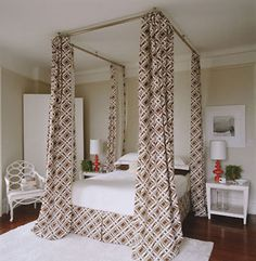 DIY canopy bed (not a fan of those curtains but love the bed style.