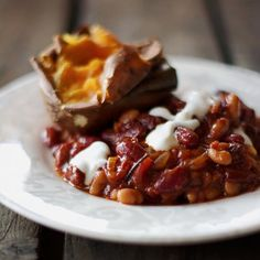 These baked beans are absolutely fabulous! Healthy and comforting, based on whole foods, vegan and gluten-free