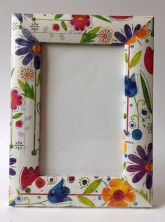 Primavera Mirror Painting, Tole Painting, Painting On Wood, Frame Crafts, Diy Frame, Painted Wooden Boxes, Hand Painted, Diy Arts And Crafts, Diy Crafts