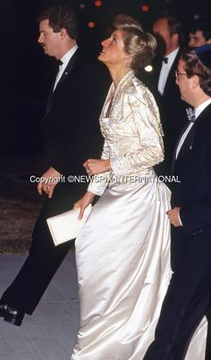 """02.02.1989; New York, USA: PRINCESS DIANA Patron of Welsh National Opera attends its American debut performance of Verdi`s """"Falstaff"""" at the Brooklyn Academy of Music. Diana's whirlwind visit to New York lasted 43 hours"""