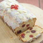 Cherry bakewell loaf cake is an easy and delicious budget cake with all the flavours of a bakewell tart. Topped with a layer of icing sugar this butter free cherry sponge cake recipe is perfect for sharing with friends! Easy Cakes To Make, How To Make Cake, Cherry Cake, Cherry Bakewell Cake, Cherry Fruit Cake Recipe, Fruit Cake Loaf, Fruit Cakes, Strawberry Cakes, Recipes