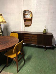 Retro spisestue i palisander - Norsk design | FINN.no Retro Furniture, Credenza, Corner Desk, Cabinet, Storage, Home Decor, Corner Table, Clothes Stand, Purse Storage
