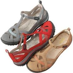 Part breezy sandal, part supportive shoe, the women's Jambu Charley Sandal gives you the function, durability and casual good looks to waltz through summer in complete comfort. Comfy Shoes, Cute Shoes, Comfortable Shoes, Me Too Shoes, Casual Shoes, Trendy Shoes, Women's Casual, Casual Wear, Shoe Boots